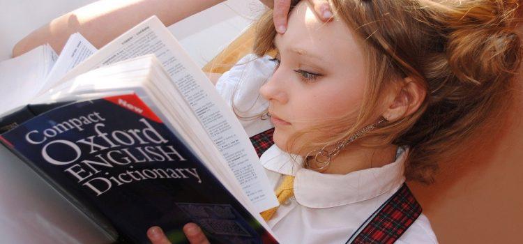 Efekt pandemii: Młodzi uciekają z Internetu w książki