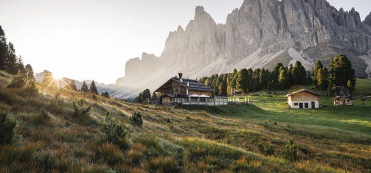 Dystans społeczny podczas wakacji – w Dolomitach to naturalna sprawa!
